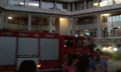 Incendio a Palazzo Uffici, evacuati i dipendenti