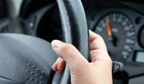 Uomini e donne al volante, ormai c'è parità