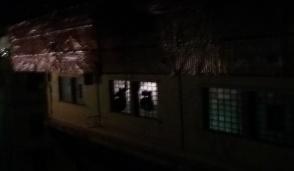 Via Remmert odissea: adesso anche senza  i lampioni...