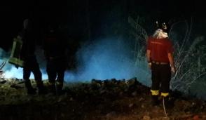 Vigili del fuoco all'opera ieri notte a Muriaglio