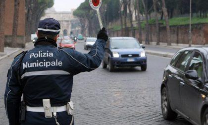 """Arriva il vigile """"a chiamata"""": multe per gli automobilisti indisciplinati"""