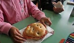 Mensa scolastica, dopo le polemiche sul panino ecco la proposta dei dirigenti