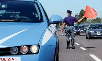 Guidava con una patente falsa: individuato e denunciato