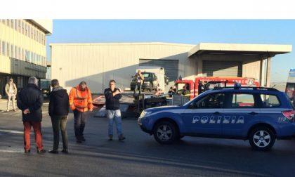 Aeroporto: schiacciato dal muletto  nell'area merci