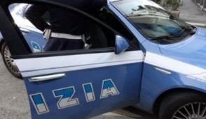 """Alla guida senza patente e sull'auto priva di assicurazione giovani """"annoiati"""" inseguiti dalla polizia"""