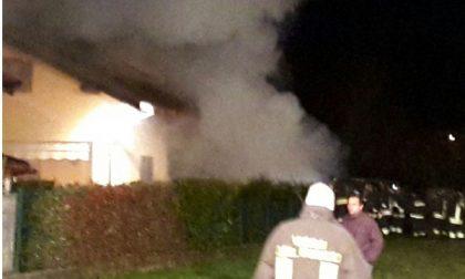 Lanzo: a fuoco una legnaia a Santa Lucia