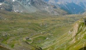 Turismo ambientale, in arrivo super tasse governative per operatori e turisti: è polemica
