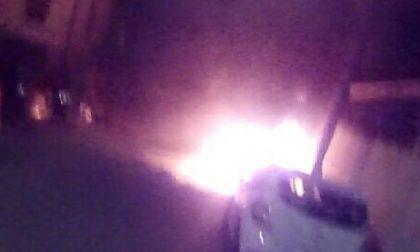 Ciriè: auto in fiamme nella notte
