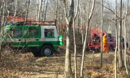 Pompieri ed Aib in azione nella zona della Carella