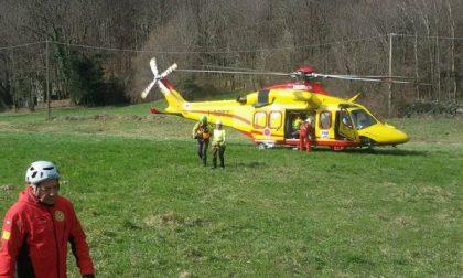 """Soccorso alpino in aiuto di un escusionista sulla """"ferrata"""" di Pont"""