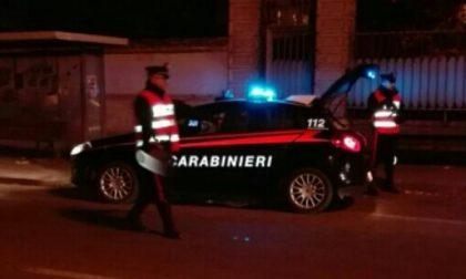 """Vuole finire a tutti i costi sui giornali e """"chiama"""" i carabinieri"""