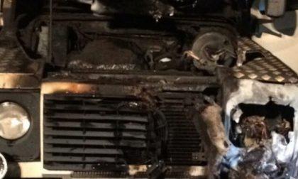 A San Maurizio notti di roghi: due auto in fiamme