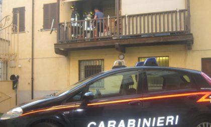 Ciriè: balcone in fiamme in via Vittorio