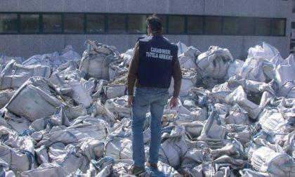 """I Carabinieri del Noe sequestrano 200 """"Big Bags"""" contenenti polveri """"sospette"""""""