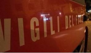 Incendio in via Gozzano, deposito attrezzi distrutto