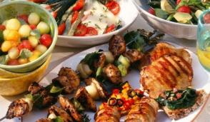 Pranzo di Pasqua e grigliata di Pasquetta, il menu tradizionale a confronto con quello vegano: ecco alcuni consigli