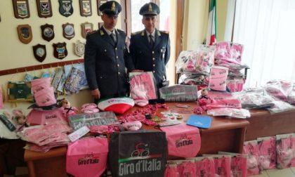 """""""Febbre"""" da Giro d'Italia: sequestrati migliaia di gadget"""