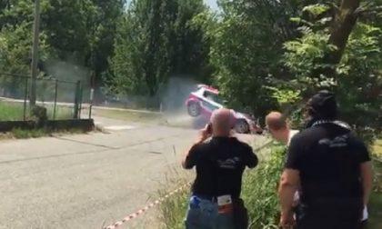 Il video dell'incidente al rally costato la vita a un bimbo
