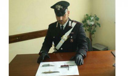 In giro con coltelli al seguito, due giovani denunciati