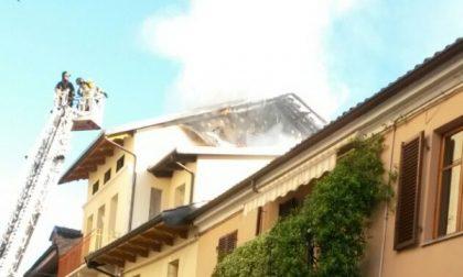 Incendio in pieno centro città a Ciriè
