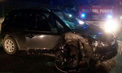 Con l'auto contro il muro: ferito conducente