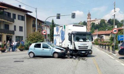Due incidenti in un giorno al semaforo di San Giorgio