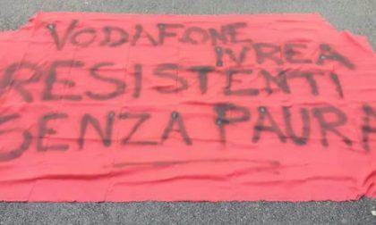 Lavorati Vodafone trasferiti a Milano, i grillini chiedono l'intervento della regione