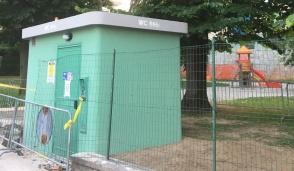 Posizionato il nuovo impianto igienico al servizio dei cittadini