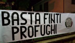 """Casa Pound all'attacco: """"Basta finti profughi"""""""