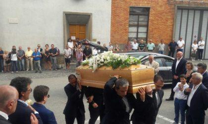 Folla commossa ai funerali dell'imprenditore Mattioda (Video)