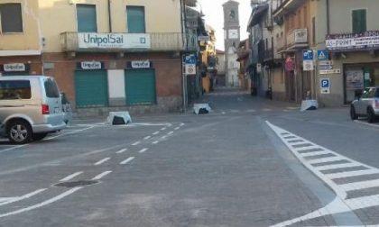 Piazza Ricciolio a Leini senza… cartelli identificativi