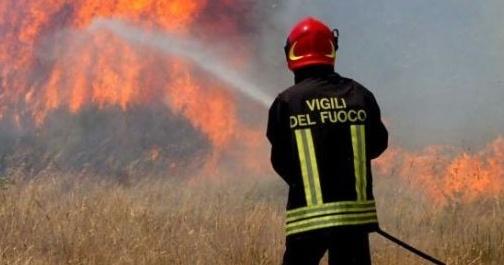 Rogo in negozio Firenze, tre abitazioni evacuate