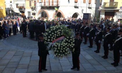 Straziante addio al maresciallo dei carabinieri (VIDEO)