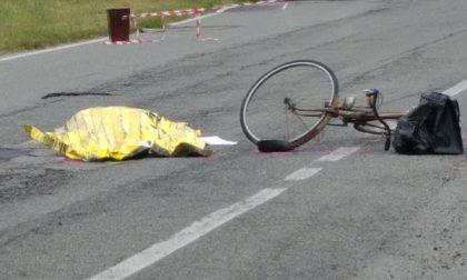 Travolto dall'auto muore pensionato in bici