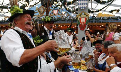 Tutti a brindare all'Oktoberfest di Monaco