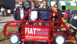 Appassionati di Fiat 500 in bella evidenza