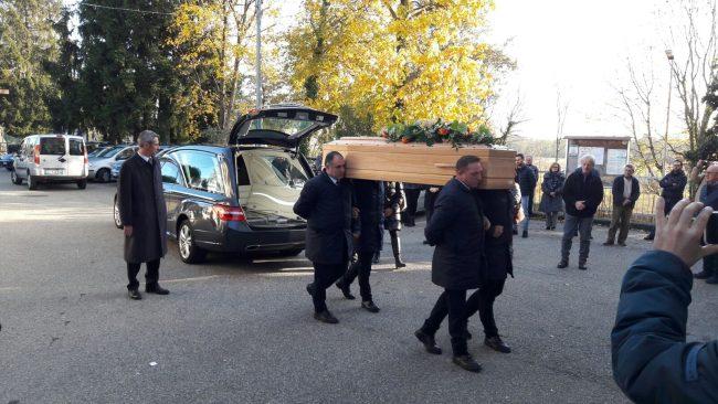 Funerali Mauro Mattioda, soffocato dalla sorella   Foto e video