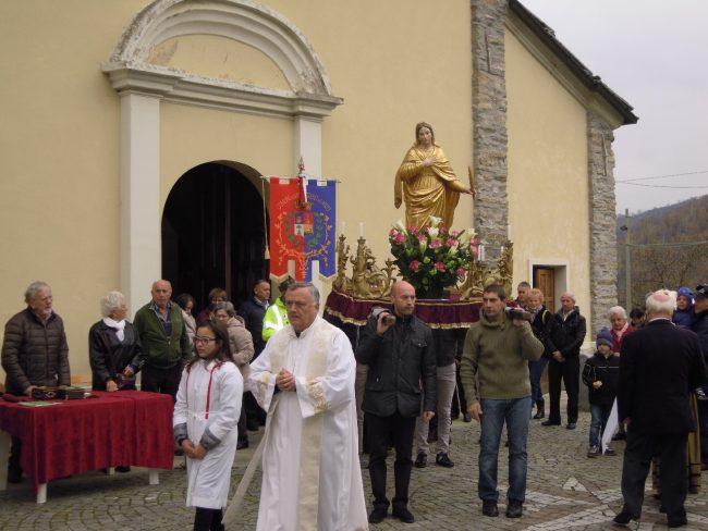 Santa Anastasia tutti alla patronale per baciare la reliquia