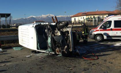 Incidente circonvallazione Rivarolo: c'è l'elisoccorso