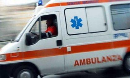 Pronto Soccorso ambulanze in coda sono finite le barelle