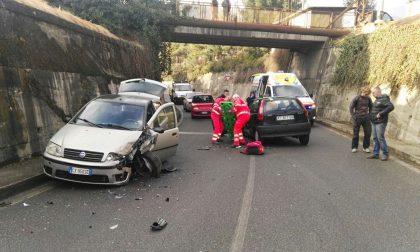 Scontro tra auto a Forno due i feriti
