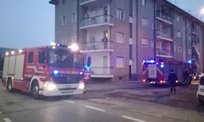 Vigili soccorrono donna caduta in casa