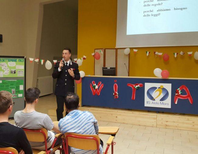 Formazione alla legalità, l'arma dei carabinieri incontra gli studenti pescaresi