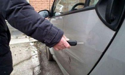 Balangero, auto rigate nel parcheggio