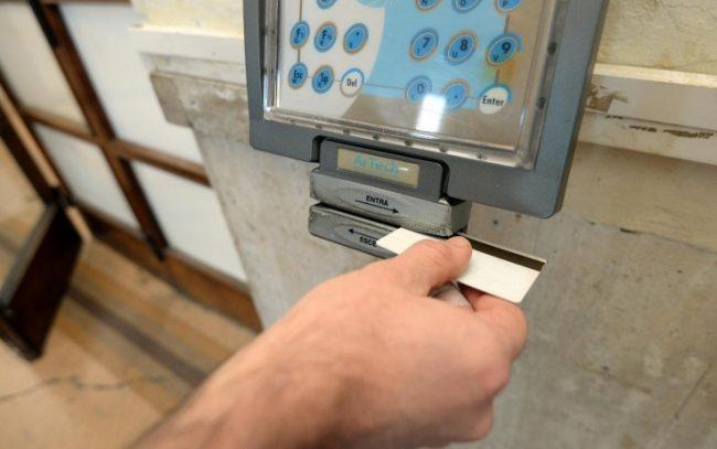 Rimini, paura all'Agenzia delle Entrate: dipendenti allontanati per busta sospetta