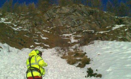 Tre alpinisti denunciati fuoripista un ferito