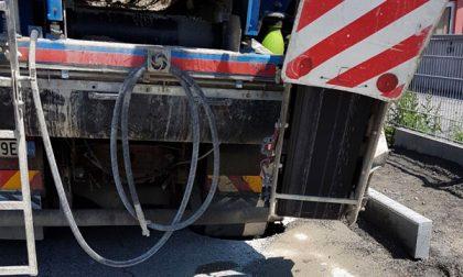 Cedimento del manto stradale Via Trieste chiusa fino al 14 maggio