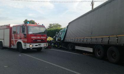 Auto contro camion incidente mortale sulla strada Provinciale 222