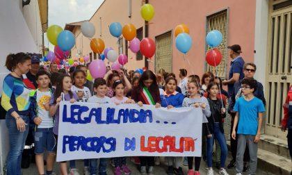 Marcia della Legalità giovani sfilano a Leini
