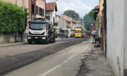 Strada riasfaltata in centro ad Oglianico